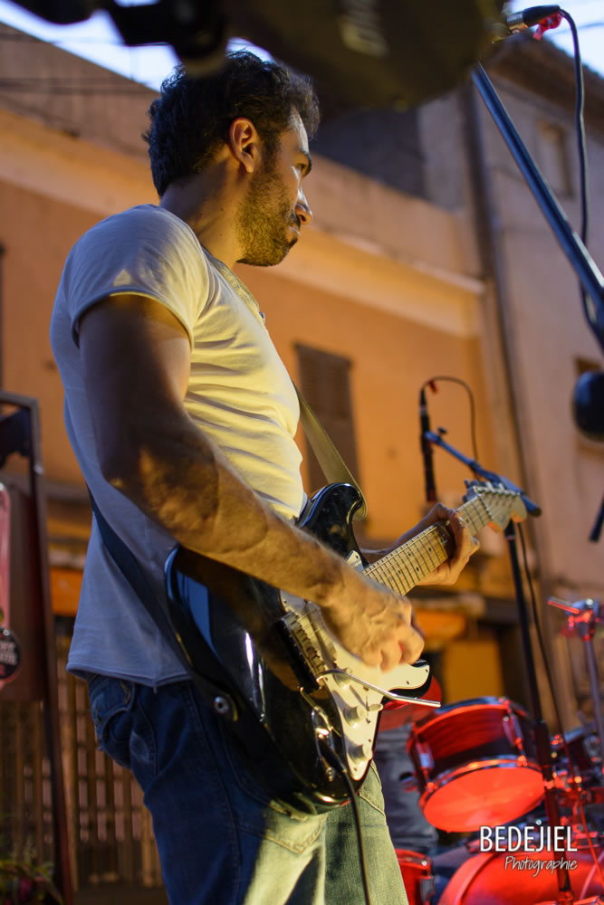 Guitariste concert Les Seventi'z