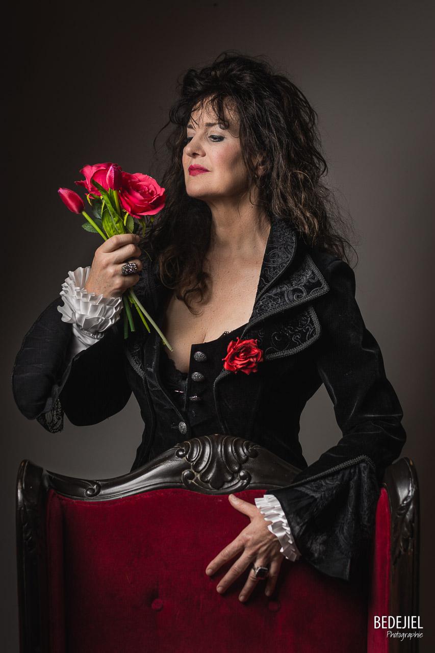 Studio femme à la rose