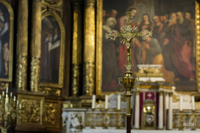 Avignon - Croix église