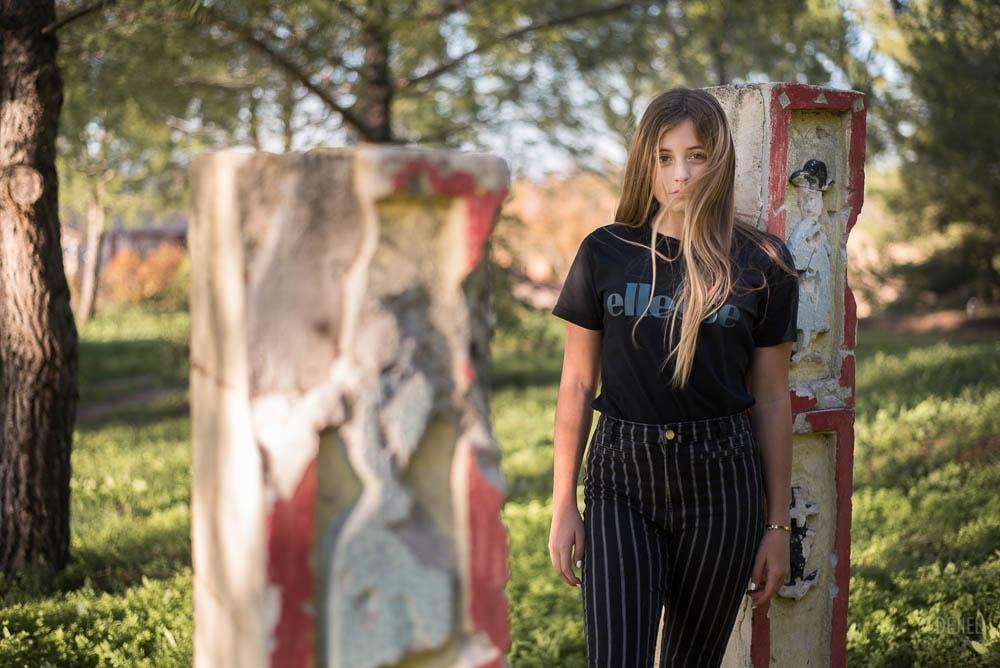 Portrait jeune femme à l'automne